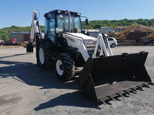 Terex TLB860 backhoe loader